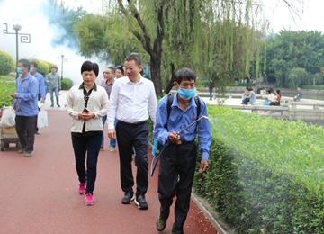 县长黄庆华一行指导秋冬季爱国卫生运动